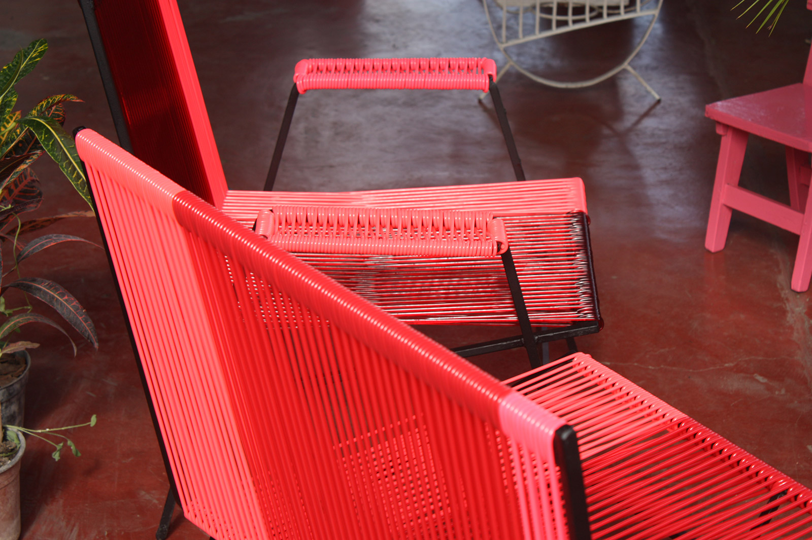 Renovation of steel frame lounge chairs